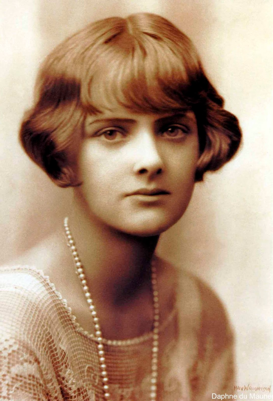 An analysis of the main characters from the novel rebecca by daphne du maurier